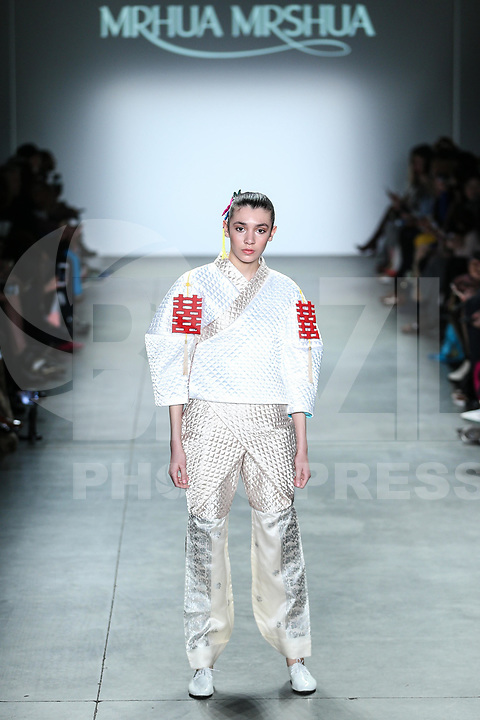 NOVA YORK, EUA, 10.02.2019 - MODA-EUA - Modelo durante desfile da grife Erxi X Mrhua Mrshua no Global Fashion Collective I na semana de Moda de New York no Pier 59 Studios em Manhattan nos Estados Unidos neste domingo, 10 (Foto: Vanessa Carvalho/Brazil Photo Press)