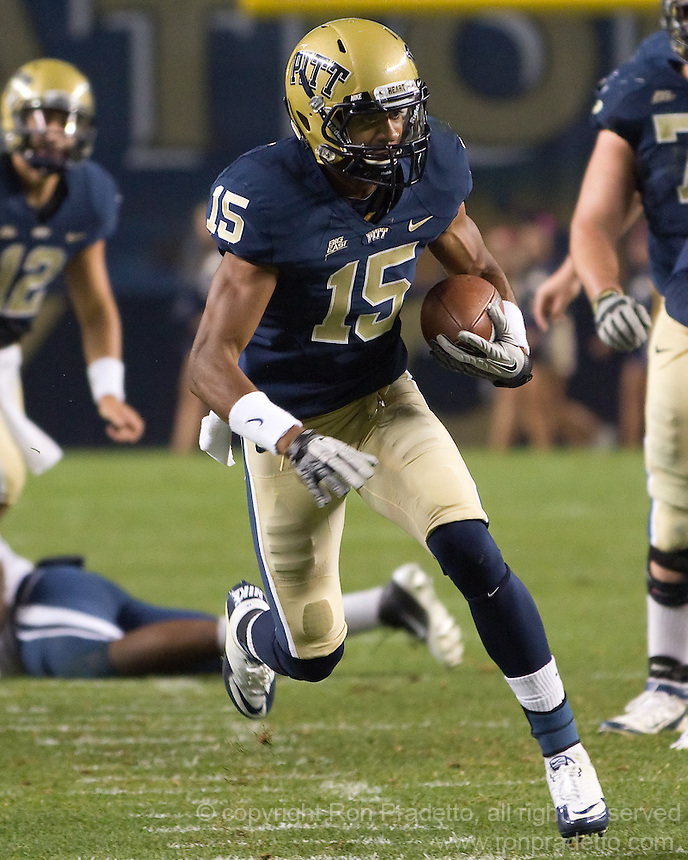Pitt wide receiver Devin Street.The Pittsburgh Panthers beat the UCONN Huskies 35-20 at Heinz field in Pittsburgh, Pennsylvania on October 26, 2011.