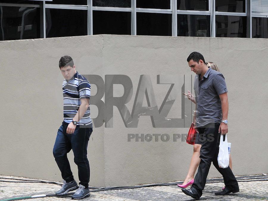 santo Andre, SP,14 FEVEREIRO 2012-O irmão mais novo de Eloá Cristina Pimentel, Douglas Pimentel dos Santoschega  no Forum de Santo Andre. (FOTO: ADRIANO LIMA - NEWS FREE).