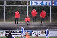 VOETBAL: HEERENVEEN: 09-11-2016, Sportpark Skoatterwâld, SC Heerenveen - FC Volendam, uitslag 2-1, de trainers van de selectie van het eerste team bekijken het van afstand, ©foto Martin de Jong