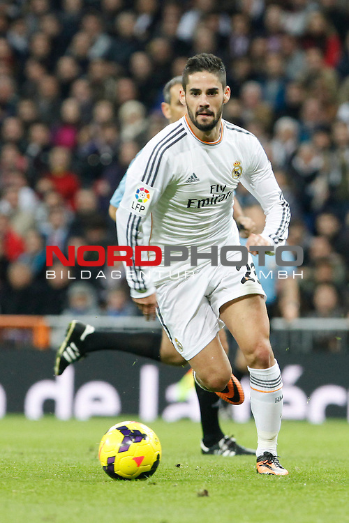 Isco of Real Madrid during La Liga match between Real Madrid and Sevilla at Santiago Bernabeu stadium in Madrid, Spain. October 30, 2013. Foto © nph / Caro Marin)