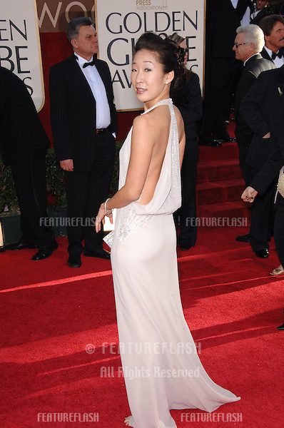 SANDRA OH at the 63rd Annual Golden Globe Awards at the Beverly Hilton Hotel..January 16, 2006  Beverly Hills, CA.© 2006 Paul Smith / Featureflash