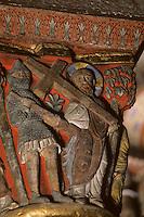 Europe/France/Auverne/63/Puy-de-Dôme/Issoire: L'abbatiale Saint-Austremoine - Détail chapiteau de la Passion - Port de la croix