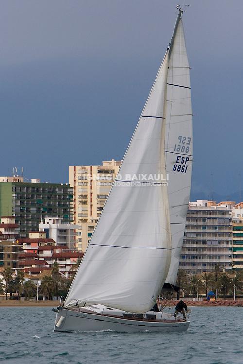 ESP8861.NOVEMBER.ALFONSO SABATER. -IV edición de la regata 30 Millas A2, III Memorial Luís Sáiz - 31/1/2009 C.N. Port Saplaya, Alboraya, Valencia, Comunidad Valenciana, España