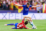 Jamie Vardy (r) of Leicester City fights for the ball with Saul Niguez Esclapez of Atletico de Madrid during their 2016-17 UEFA Champions League Quarter-Finals 1st leg match between Atletico de Madrid and Leicester City at the Estadio Vicente Calderon on 12 April 2017 in Madrid, Spain. Photo by Diego Gonzalez Souto / Power Sport Images