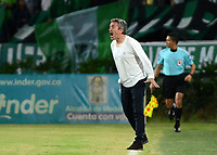 MEDELLÍN -COLOMBIA - 16-07-2017: Juan Manuel Lillo técnico de Atlético Nacional gesticula durante partido con Atlético Bucaramanga  por la fecha 2 de la Liga Águila II 2017 jugado en el estadio Atanasio Girardot de la ciudad de Medellín. / Juan Manuel Lillo coach of Atletico Nacional gestures match against Atletico Bucaramanga  for the date 2 of the Aguila League II 2017 at Atanasio Girardot stadium in Medellin city. Photo: VizzorImage/León Monsalve/Cont