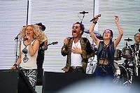 SÃO PAULO, SP, 26.06.2015 - FESTIVAL-SP - A cantora Paula Toller e o cantor Nando Reis  e Marjorie Estiano durante o Nivea Viva Rock Brasil na Praça Heróis da FEB, região norte de São Paulo, neste domingo, 26. (Foto: Yuri Alexandre/Brazil Photo Press)