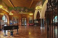 Europe/France/Aquitaine/64/Pyrénées-Atlantiques/Pays-Basque/Cambo-les-Bains: La Villa Arnaga, Musée Edmond Rostand: Le Grand Hall