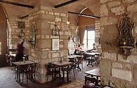 "Europe et Asie /Turquie/Istanbul: Restaurant ""Zeyrekhane"" Quartier Unkapani"