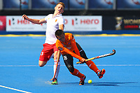 Englands Sam Ward competes with Faiz Jali of Malaysia during the Hockey World League Semi-Final Pool A match between England and Malaysia at the Olympic Park, London, England on 17 June 2017. Photo by Steve McCarthy.