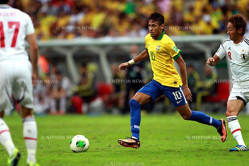 Neymar (BRA), Hiroshi Kiyotake (JPN),<br /> JUNE 15, 2013 - Football / Soccer :<br /> FIFA Confederations Cup Brazil 2013 Group A match between Brazil 3-0 Japan at Estadio Nacional in Brasilia, Brazil. (Photo by Shin-ichiro Kaneko/AFLO)
