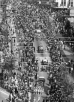 Oakland Athletics victory parade up Broadway in downtown Oakland, California (1972/photo/Ron Riesterer))