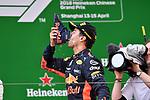 15.04.2018, Shanghai Audi International Circuit, Shanghai, 2018 FORMULA 1 HEINEKEN CHINESE GRAND PRIX, 12.04. - 15.04.2018<br /> im Bild<br />Sieger Daniel Ricciardo (AUS#3), Aston Martin Red Bull Racing trinkt aus seinem Schuh<br /><br /> <br /> Foto &copy; nordphoto / Bratic