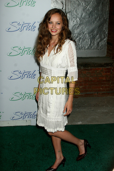 "BIJOU PHILLIPS.Arrivals at the launch of ""Stride"", the new long lasting gum from Cadbury Adams, at The Waterfront, New York, NY, USA..June 21st, 2006.Ref: IW.full length white  dress.www.capitalpictures.com.sales@capitalpictures.com.©Capital Pictures"