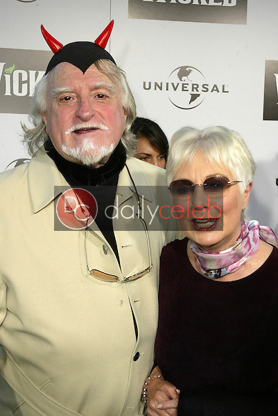 """Marty Ingels and Shirley Jones<br /> at the LA Premiere of Universal's """"Wicked,"""" Pantages Theater, Hollywood, CA 06-22-05<br /> David Edwards/DailyCeleb.Com 818-249-4998"""