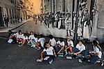 Criancas escolares no Memorial do Imigrante no bairro do Bras. São Paulo. 2008. Foto de Juca Martins.