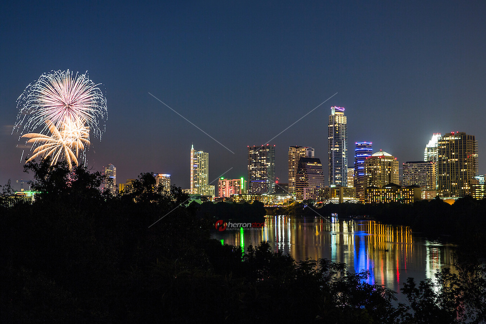 On July 4th, more than 100,000 people gather at Auditorium Shores for the largest Independence Day celebration in Austin. The Austin Symphony will be under the apt baton of ASO Music Director Peter Bay. The Austin Symphony July 4th Concert and Fireworks features patriotic music and the ever-popular 1812 Overture and spectacular fireworks over Lady Bird Lake.