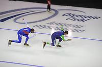 SPEEDSKATING: CALGARY: 12-11-2015, Olympic Oval, training, Shani Davis en Stefan Groothuis, ©foto Martin de Jong