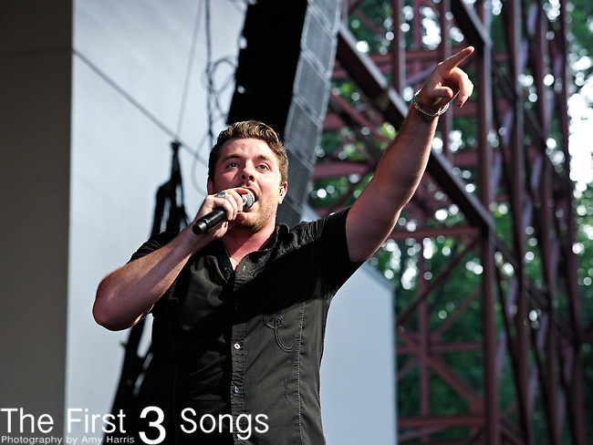 Chris Young performs at Riverbend Music Center on June 15, 2011 in Cincinnati, Ohio.