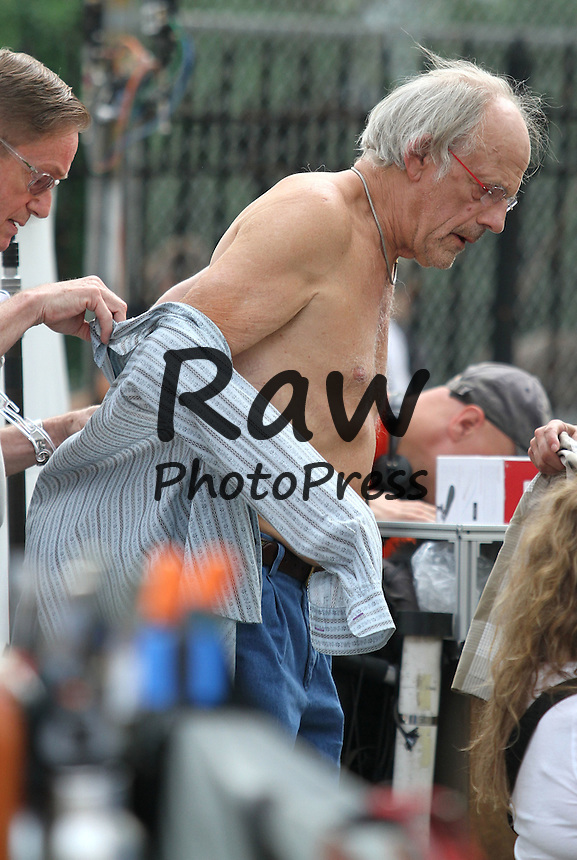 La pel&iacute;cula 'Going In Style' se est&aacute; rodando en Nueva York.<br /> <br /> Photo &copy; 2015 Luis Jr-Rodrigo/The Grosby Group<br /> <br /> New York City - August 31, 2015<br /> <br /> &quot;Back To The Future&quot; actor Christopher Lloyd joins legendary cast members Morgan Freeman, Michael Caine and Alan Arkin on the set of &quot;Going in Style&quot; while filming a &quot;Bocce Ball&quot; scene in Ditmars Park Queens.