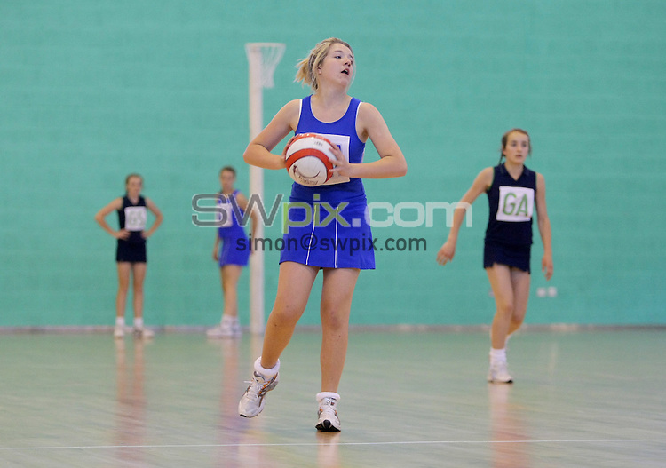 PICTURE BY VAUGHN RIDLEY/SWPIX.COM - Netball - England Netball National U14/U16 Clubs Championship Finals - Loughborough University, England - 30/05/09...Copyright - Simon Wilkinson - 07811267706...Poole v Star