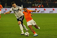 Niklas Süle (Deutschland Germany) gegen Memphis Depay (Niederlande) - 19.11.2018: Deutschland vs. Niederlande, 6. Spieltag UEFA Nations League Gruppe A, DISCLAIMER: DFB regulations prohibit any use of photographs as image sequences and/or quasi-video.
