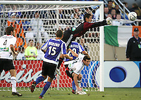 4 June 2005: Nick Rimando of DC United knocks the ball away from his net during the first half of the game against Earthquakes at Spartan Stadium in San Jose, California.  Earthquakes tied DC United, 0-0 at halftime.   Credit: Michael Pimentel / ISI