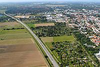 Gewerbe: EUROPA, DEUTSCHLAND, HAMBURG, BERGEDORD (EUROPE, GERMANY), 06.09.2007: Bergedorf, Vier und Marschlande, Geplantes Gewerbegebiet an der A25, oestlich der Vierlandenstrasse, Kleingarten, Verein, 609,  Neubau, Bau, Baugrundstueck,  Luftbild, Luftansicht, Air, Aufwind-Luftbilder..c o p y r i g h t : A U F W I N D - L U F T B I L D E R . de.G e r t r u d - B a e u m e r - S t i e g 1 0 2, .2 1 0 3 5 H a m b u r g , G e r m a n y.P h o n e + 4 9 (0) 1 7 1 - 6 8 6 6 0 6 9 .E m a i l H w e i 1 @ a o l . c o m.w w w . a u f w i n d - l u f t b i l d e r . d e.K o n t o : P o s t b a n k H a m b u r g .B l z : 2 0 0 1 0 0 2 0 .K o n t o : 5 8 3 6 5 7 2 0 9.C o p y r i g h t n u r f u e r j o u r n a l i s t i s c h Z w e c k e, keine P e r s o e n l i c h ke i t s r e c h t e v o r h a n d e n, V e r o e f f e n t l i c h u n g  n u r  m i t  H o n o r a r  n a c h M F M, N a m e n s n e n n u n g  u n d B e l e g e x e m p l a r !.