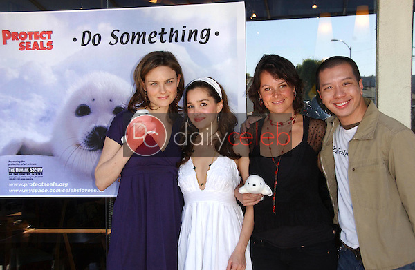 Emily Deschanel and Gina Phillips with Darcy Halsey and Reggie Lee<br />
