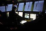 La nuit, le second surveille le bateau et l'équilibrage du chalut. Une fois que se dernier sera plein, il avertira les hommes d'équipage de se préparer à sa remontée.