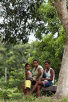 Um dia após o enterro da missionária americana Dorothy Mae Stang, assassinada último dia 12/02,  agentes das polícias civil, federal e militar  em busca de informações na região.<br /> O clima é tenso  após o assassinato da religiosa ocorrido no municÌpio.<br /> Irmã Dorothy, 73 anos  vinte oito dos quais na Amazônia foi sassinada brutalmente as 7: 30 de 12/02/2005 quando saia de uma casa no PDS Esperança.<br /> Anapú, Pará, BrasilFoto Paulo Santos/Interfoto16/02/2005