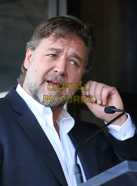 Hollywood, CA - November 05 Russell Crowe Attending Ridley Scott Honored With Star On The Hollywood Walk Of Fame At On The Hollywood Walk Of Fame On November 05, 2015. <br /> CAP/MPI/FS<br /> &copy;FS/MPI/Capital Pictures