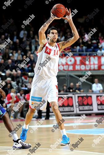 2010-12-11 / Basketbal / seizoen 2010-2011 / Antwerp Giants - Bergen / Salah Mejri..Foto: Mpics