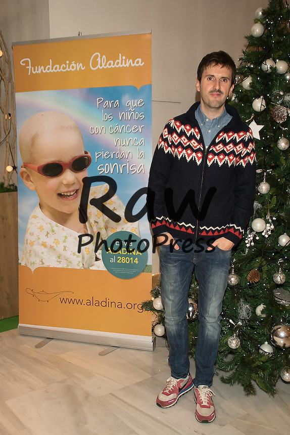 Muchas caras conocidas han visitado el rastrillo ben&eacute;fico Aladina en Madrid.<br /> <br /> Several celebrities have visited Aladina charity street market in Madrid on December 13th, 2015.