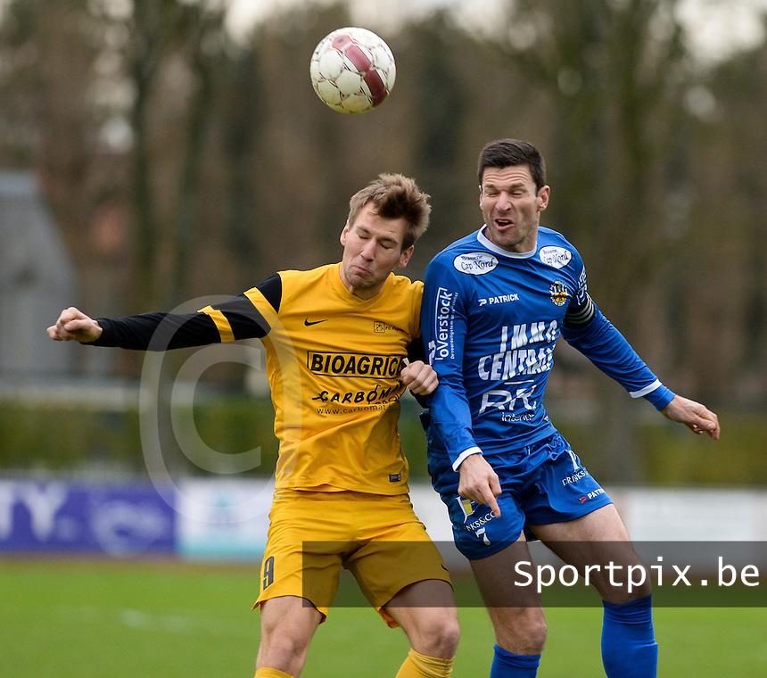 R Knokke FC - Pepingen : kopduel tussen Peter Van Der Heyden (r) en Koen Verhaeghe (links) <br /> Foto VDB / Bart Vandenbroucke