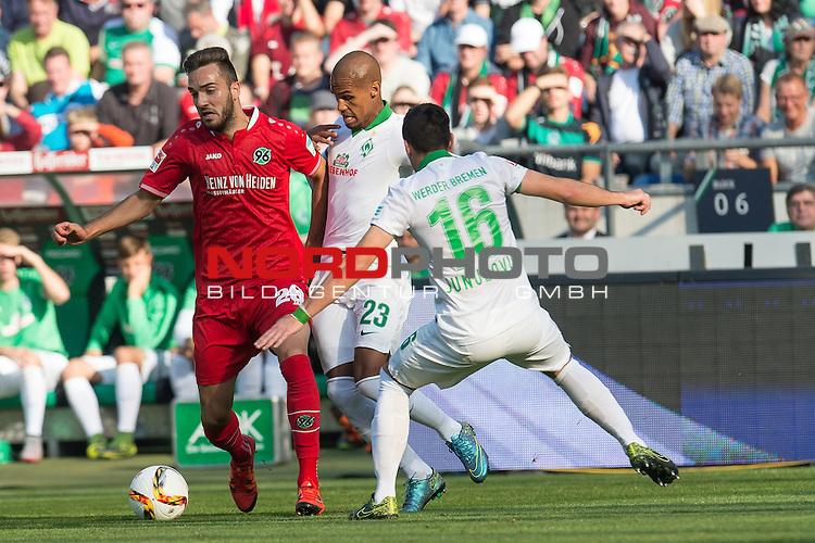 03.10..2015, HDI Arena, Hannover, GER, 1.FBL, Hannover 96 vs SV Werder Bremen im Bild <br /> <br /> Kenan Karaman (Hannover #26)<br /> Zlatko Junuzovic (Bremen #16)<br /> Theodor Gebre Selassie (Bremen #23)<br /> <br /> Foto &copy; nordphoto / Kokenge