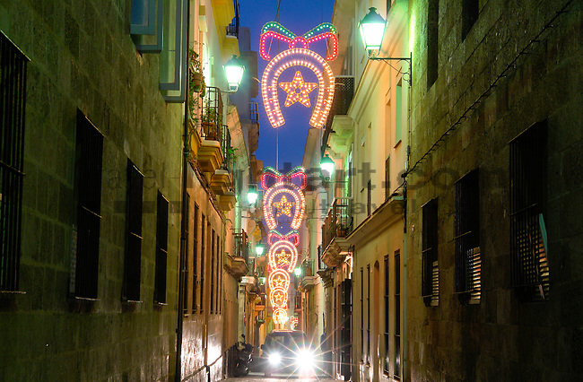 Blaue Weihnachtsbeleuchtung.Christmas Lights Weihnachtsbeleuchtung Cadiz Spain Www Travel