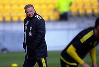 Phoenix head coach Ernie Merrick. Wellington Phoenix training at Westpac Stadium, Wellington, New Zealand on Friday, 7 October 2016. Photo: Dave Lintott / lintottphoto.co.nz