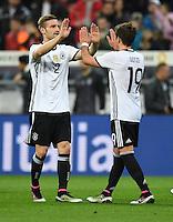 FUSSBALL INTERNATIONAL TESTSPIEL IN DER ALLIANZ ARENA MUENCHEN Deutschland - Italien    29.03.2016  Torjubel nach dem 3:0: Shkodran Mustafi (li) und Mario Goetze (re, beide Deutschland)