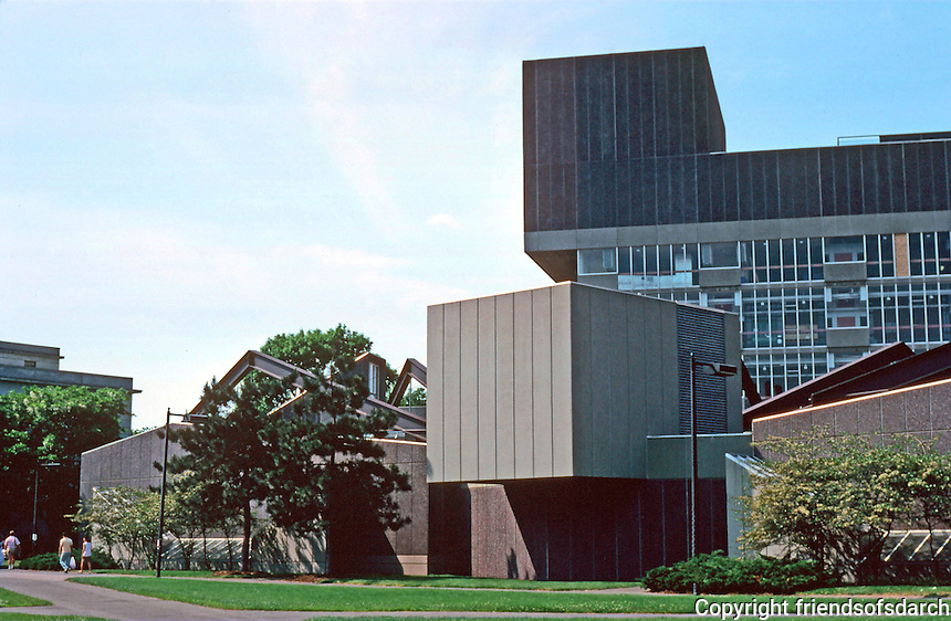 Cambridge:  Science Center, Harvard.  Architects Sert, Jackson & Assoc., 1970-72.  Photo '88.