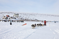 Musher Lance Mackey departs Candle, the half way point of the 2008 All Alaska Sweepstakes sled dog race.
