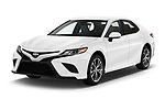 2018 Toyota Camry SE Auto 4 Door Sedan angular front stock photos of front three quarter view