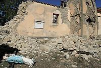 Torrita, Amatrice, 26 Agosto 2016.<br /> La Statua di Ges&ugrave; Cristo tra le macerie della Chiesa di Torrita, frazione di Amatrice. <br /> L'Italia &egrave; stata colpita da un potente, terremoto di 6,2 magnitudo nella notte del 24 agosto, 2016, che ha ucciso almeno 290 persone .<br /> A statue of Jesus Christ in the rubble of the Church of Torrita,a hamlet of Amatrice , earthquake in central Italy was struck by a powerful, 6.2-magnitude earthquake in the night of August 24, 2016, Which has killed at least 290 people and devastated hundreds of houses.