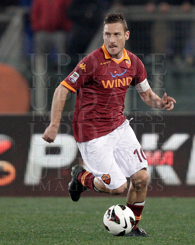 Calcio, Serie A: Roma vs Genoa. Roma, stadio Olimpico, 3 marzo 2013..AS Roma forward Francesco Totti in action during the Italian Serie A football match between AS Roma and Genoa at Rome's Olympic stadium, 3 March 2013..UPDATE IMAGES PRESS/Riccardo De Luca
