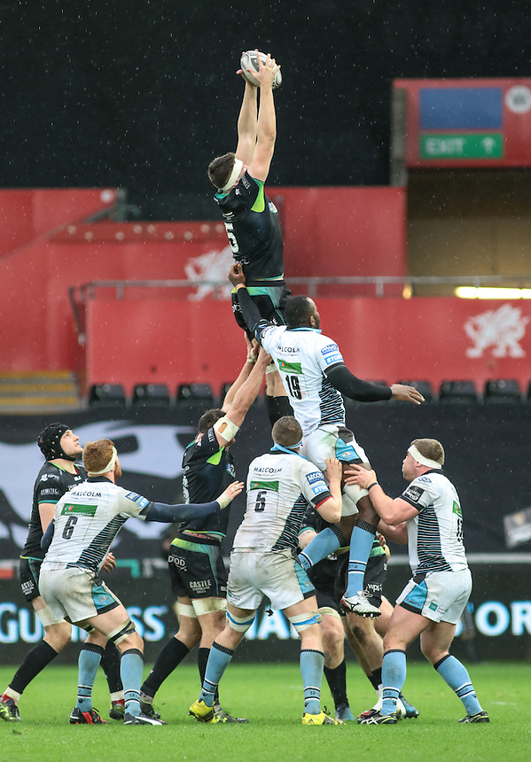 Ospreys' Rory Thornton claims the line out.<br /> <br /> Photographer /Dan MintoCameraSport<br /> <br /> Guinness PRO12 Round 16  - Ospreys v Glasgow Warriors - Sunday 26th February 2017 - Liberty Stadium - Swansea<br /> <br /> World Copyright &copy; 2017 CameraSport. All rights reserved. 43 Linden Ave. Countesthorpe. Leicester. England. LE8 5PG - Tel: +44 (0) 116 277 4147 - admin@camerasport.com - www.camerasport.com