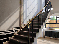 Treppenhaus, Fagus Werk der Firmen GreCon, erbaut von Bauhaus-Architekt Walter Gropius 1911, Alfeld, Niedersachsen, Deutschland, Europa, UNESCO-Weltkulturerbe<br /> stairsFagus Factory of GreCon Company built by Bauhaus archtect Walter Gropius 1911; Alfeld, Lower Saxony, Germany, Europe, UNESCO heritage site