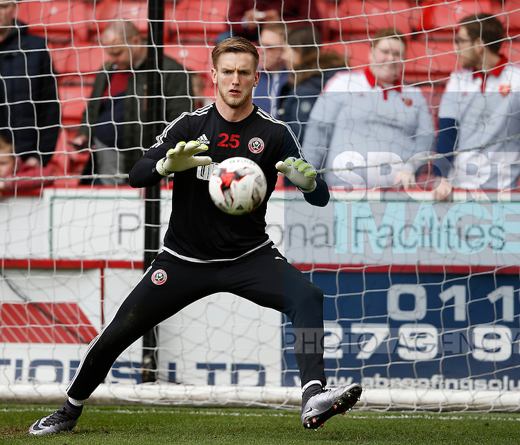 George Long of Sheffield Utd warms up during the Sky Bet League One match at The Bramall Lane Stadium.  Photo credit should read: Simon Bellis/Sportimage