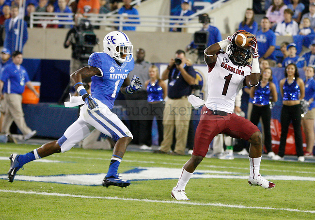 South Carolina Gamecocks wide receiver Ace Sanders (1) catches the ball for a touchdown at the University of Kentucky football vs.  South Carolina at Commonwealth Stadium in Lexington, Ky., on Saturday, September 29, 2012. Photo by Tessa Lighty | Staff