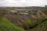Roma, Marzo 2008.Malagrotta, Pisana.Cave.Rome, March 2008.Malagrotta, Pisana.Quarry.