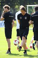 Assistenztrainer Thomas Schneider (Deutschland Germany) - 14.06.2017: Training der Deutschen Nationalmannschaft zur Vorbereitung auf den Confed Cup, Sportpark Kelsterbach